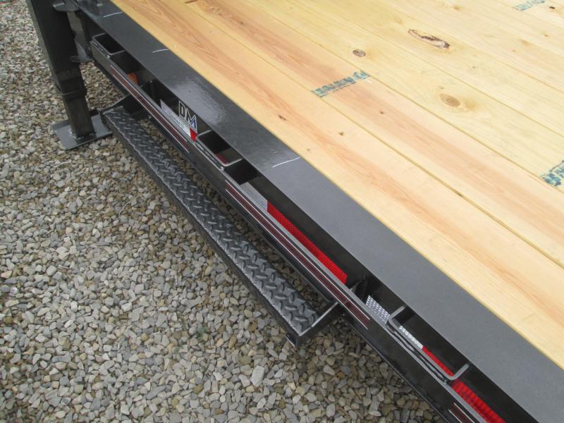 2022 16'+8' 14.9K Diamond C Gooseneck Split Deck Tilt Trailer. 53079