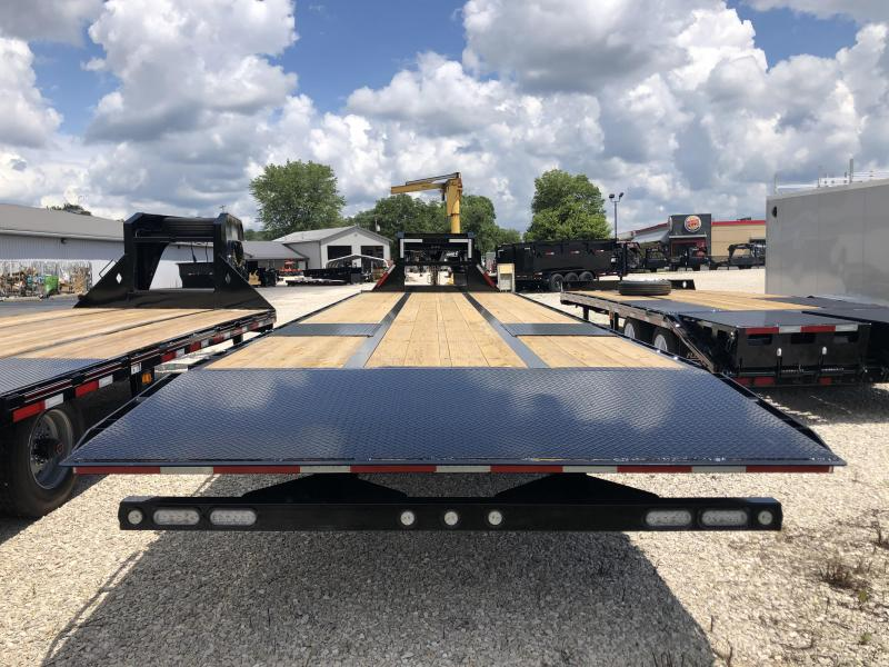 2021 32x102 22.5K MAXXD TDX Equipment Trailer. 74462