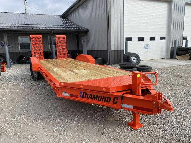 2021 DIAMOND C Trailers LPX207 Equipment Trailer. 38768