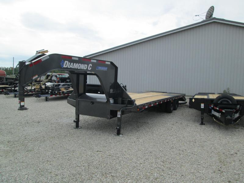 "2020 FMAX 210MR 25'+5'x102"" 25K Diamond C Engineered Beam Equipment Trailer. 31080"