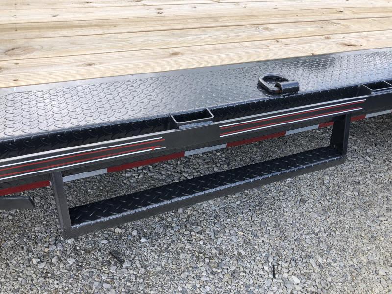 2020 24x102 14.9K Diamond C EQT207 Gooseneck Tilt Equipment Trailer. 30124