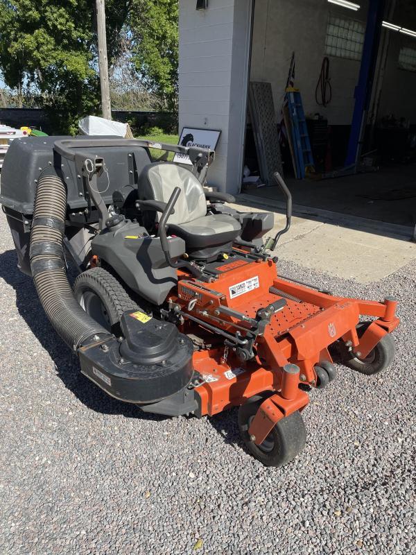 2016 Husqvarna PZ54 Zero Turn Lawn Mowers