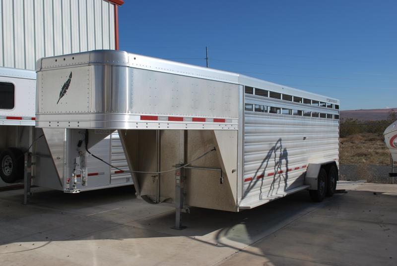 2020 Featherlite 8117 Livestock Trailer