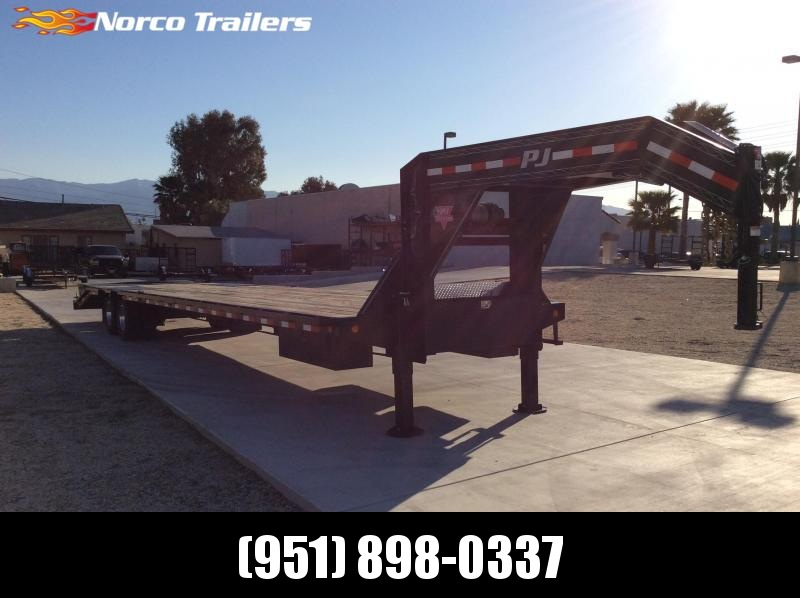 2018 PJ Trailers 102 x 40 Equipment Trailer