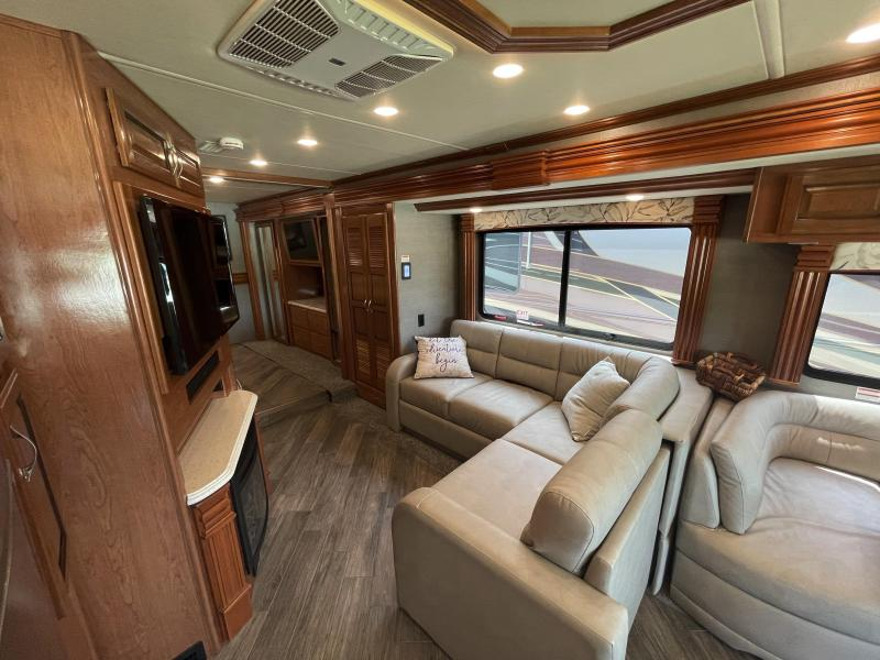 2019 Fleetwood Discovery 38K Class A RV