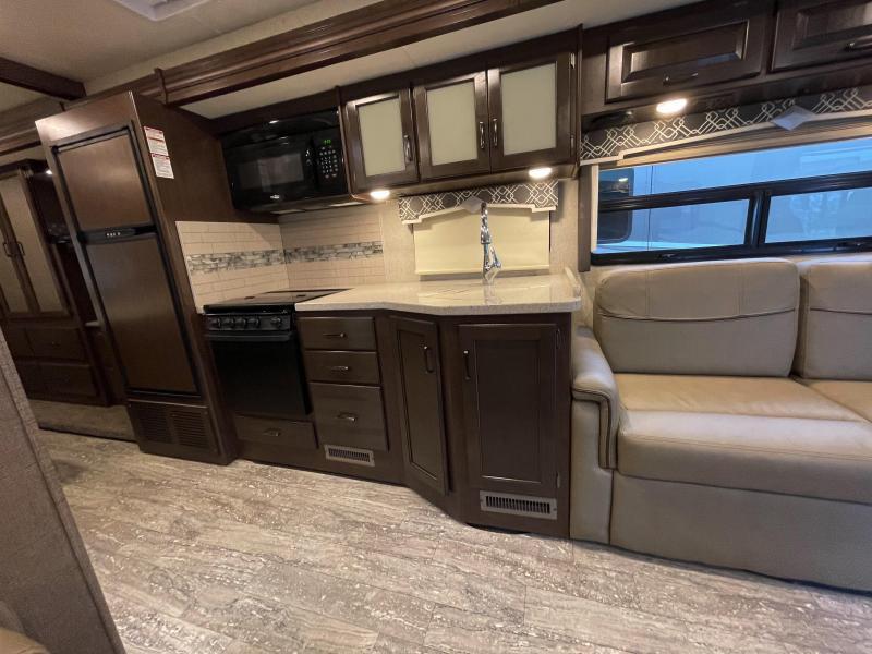 2019 Thor Hurricane 29M Class A RV