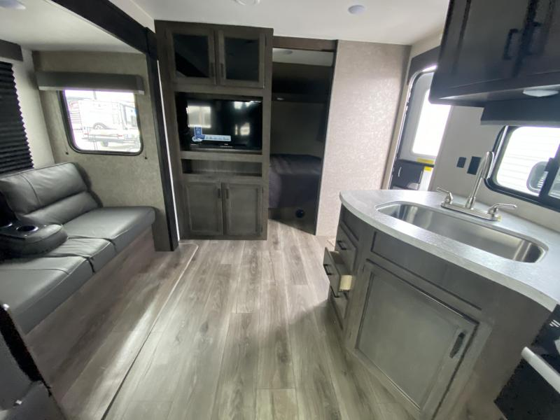 2021 Starcraft Autumn Ridge 27BHS Travel Trailer RV