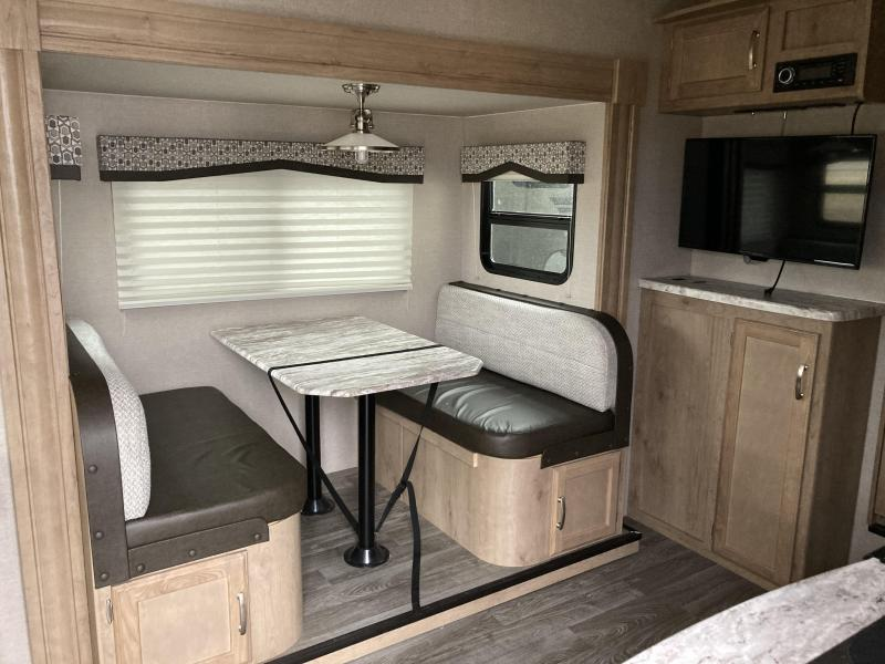 2020 Winnebago Micro Minnie 2405RL Fifth Wheel Campers RV