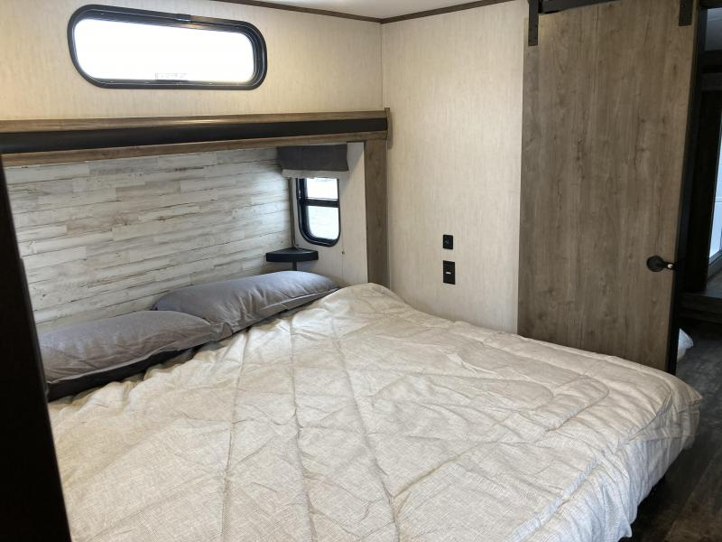 2021 Forest River Sabre 37FT Fifth Wheel Campers RV