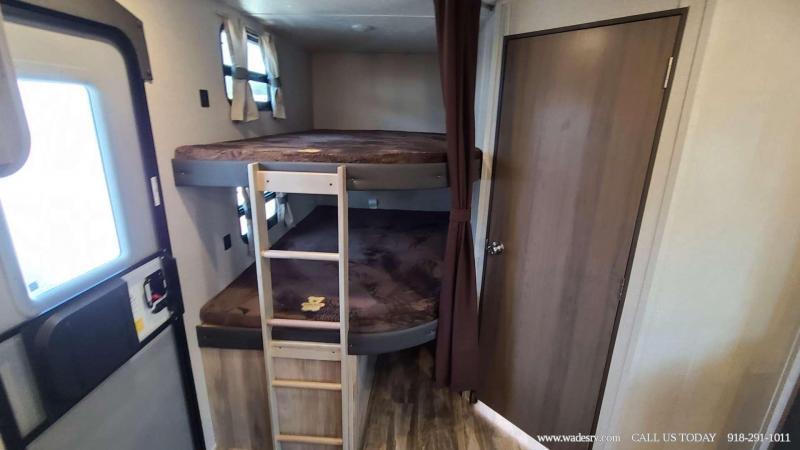 2021 Coachmen Catalina Legacy 263BHSCK Travel Trailer RV