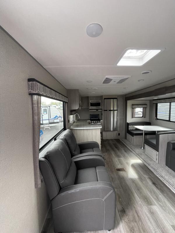 2022 Coachmen Catalina Legacy Edition 303RKDS Travel Trailer RV