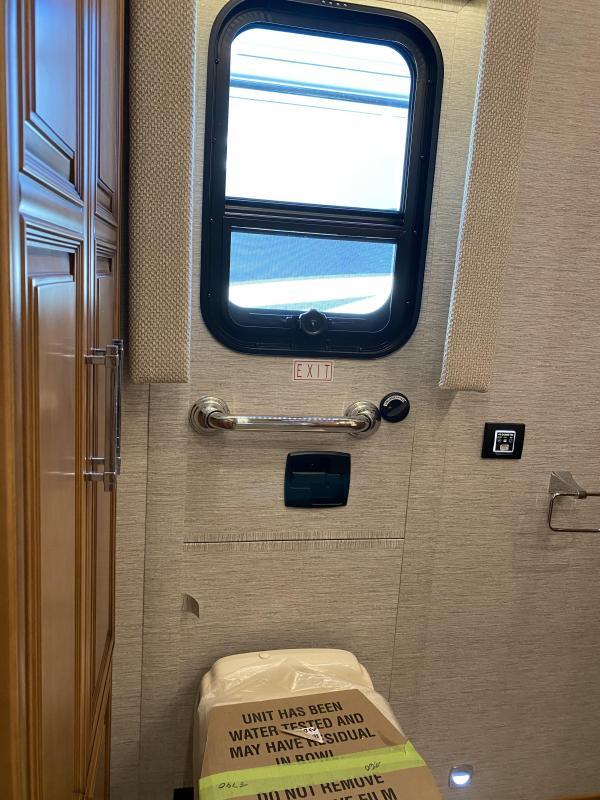 2021 Newmar Mountain Aire 4118 Class A RV