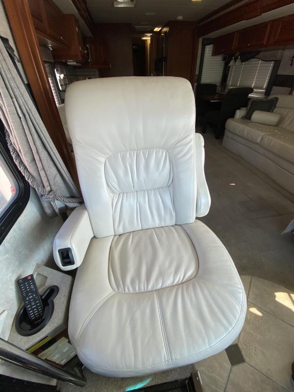 2007 Fleetwood Revolution 40L Class A RV
