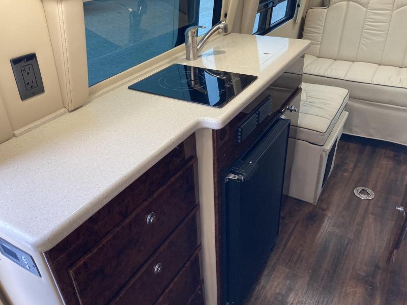 2019 Midwest Automotive Designs Patriot Cruiser Weekender 3500 Class B RV