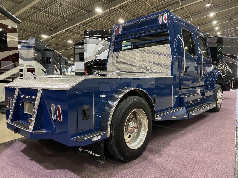 2015 Freightliner M2 Semi Truck