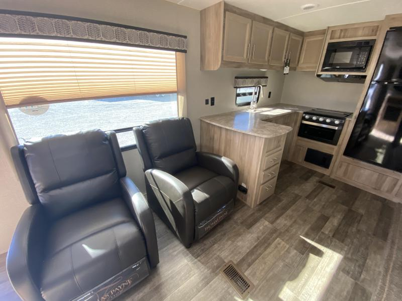 2021 Coachmen Catalina Legacy 303RKDS Travel Trailer RV