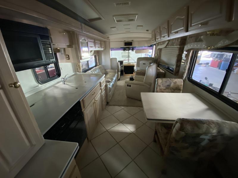 2000 Fleetwood American Dream 40DVS Class A RV