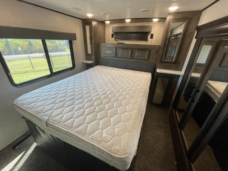 2019 Heartland Gateway 3905FLG Fifth Wheel Campers RV