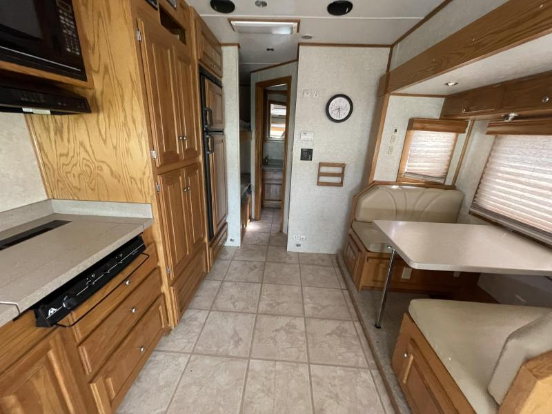 2003 Showhauler Toy Toter Class C RV