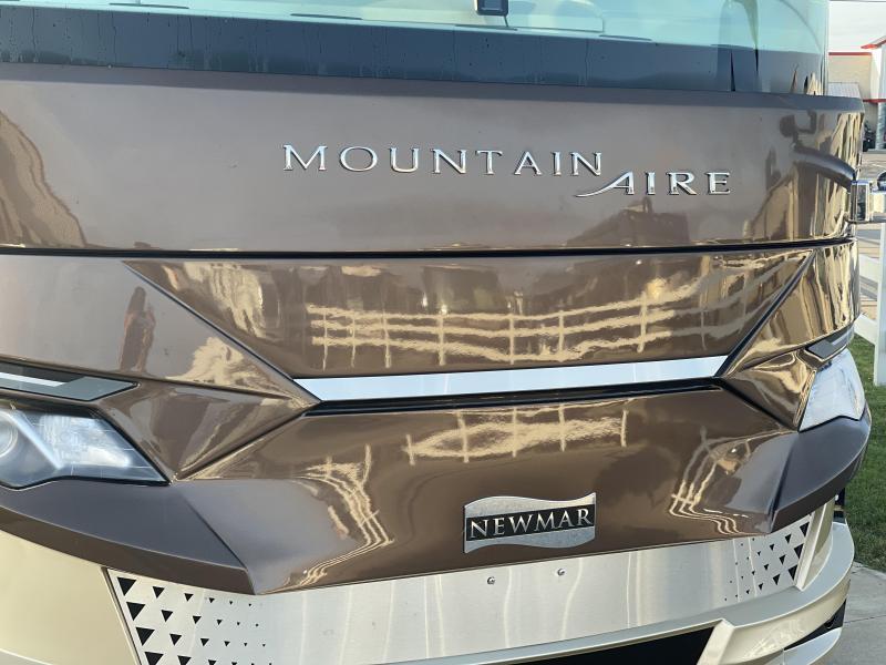 2021 Newmar Mountain Aire 4551 Class A RV
