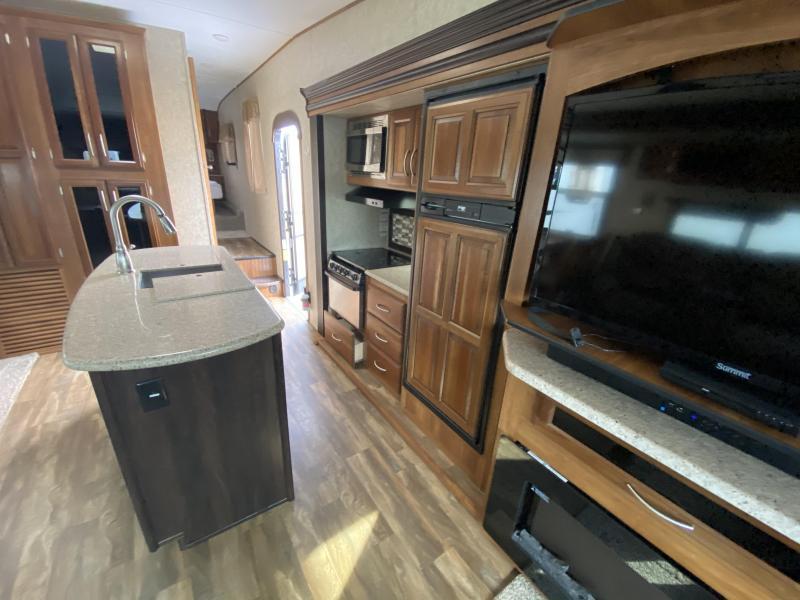 2017 Forest River Crusader 297RKS Fifth Wheel Campers RV