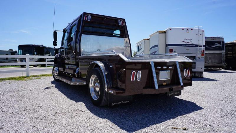 2016 Freightliner Sportchassis M2