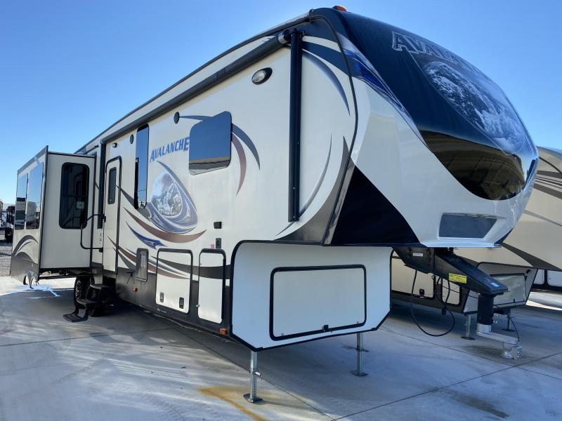 2014 Keystone RV Avalanche 331RE Fifth Wheel Campers RV