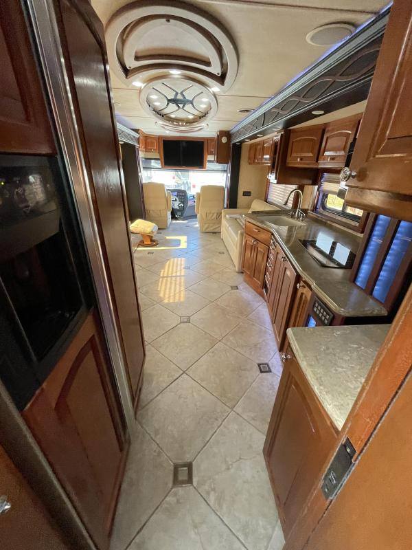 2010 Country Coach Magna 630 Class A RV