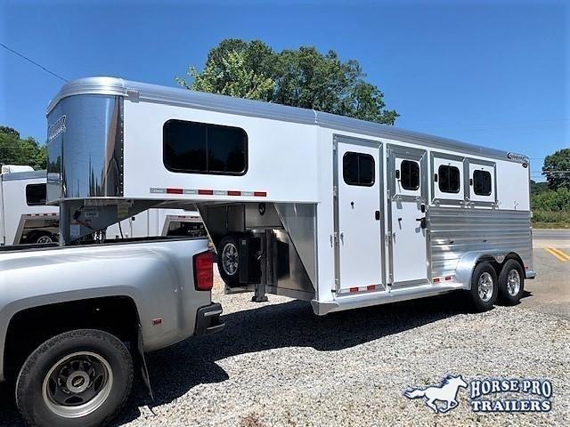 2021 Cimarron 3 Horse Slant Load Gooseneck w/REAR TACK & HYDRAULIC JACK!