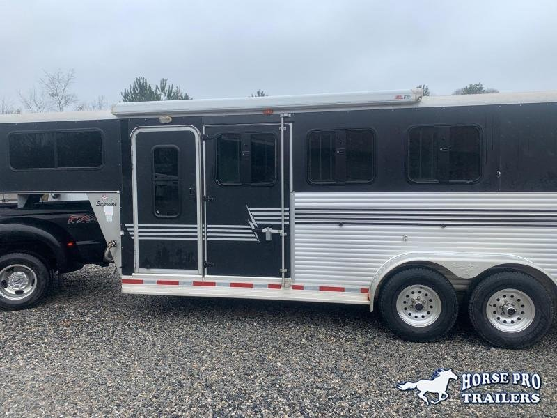 2006 Silver Star Trailers 3 Horse Slant load Horse Trailer