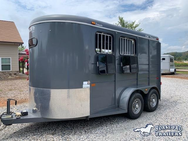 2016 CM Dakota 2 Horse Slant Load Bumper Pull