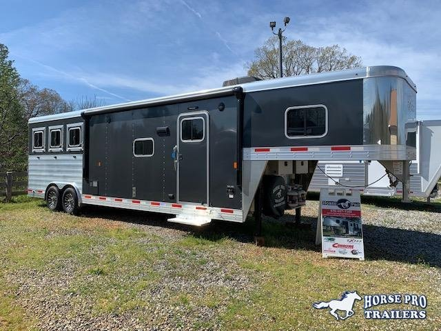 2022 Exiss Endeavor 3 Horse 12'6 Living Quarters w/Slide Out- ROOF INSULATION & POLYLAST FLOORING