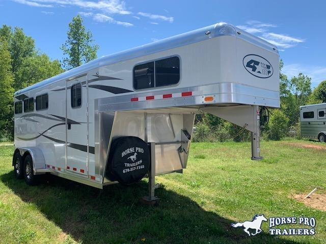 2021 4-Star 3 Horse Slant Load Gooseneck w/SWING-OUT SADDLE RACK & WATER TANK
