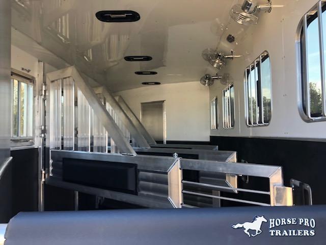 2021 Adam 4 Horse Slant Gooseneck w/REAR TACK & ROOF INSULATION