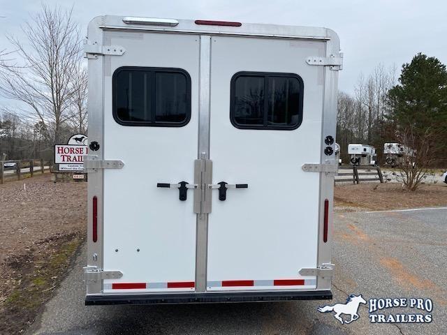 2022 Adam 4 Horse Slant Gooseneck w/REAR TACK & ROOF INSULATION