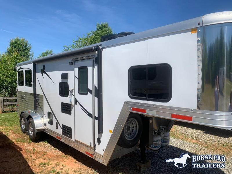 2018 Merhow Trailers 2 Horse 10' Living Quarters