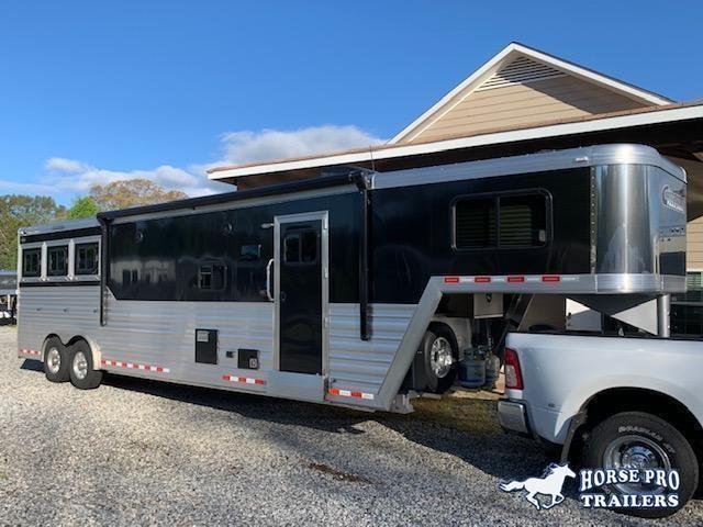 2022 Cimarron 3 Horse 13'6 Outback Living Quarters w/Slide Out- WERM FLOORING & RAMP!