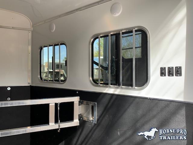 2021 Homesteader 2 Horse Slant Load Bumper Pull w/RAMP & ESCAPE DOOR