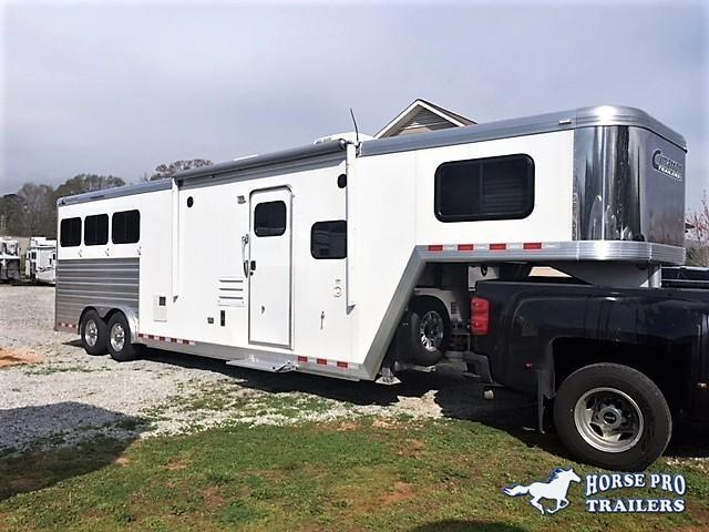 2020 Cimarron 3 Horse 10'8 Outback Living Quarters w/Slide Out