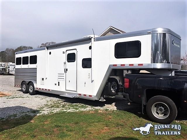 2021 Cimarron 3 Horse 10'8 Outback Living Quarters w/Slide Out