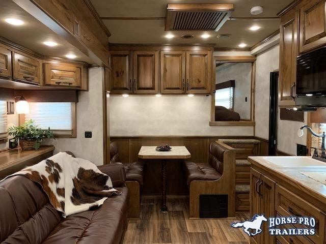 2022 4-Star Deluxe 3 Horse 13'8 Trail Boss Living Quarters