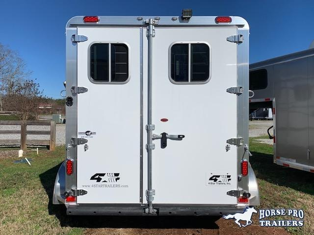 2021 4 Star 2 Horse Slant Load Bumper Pull w ROOF INSULATION FANS