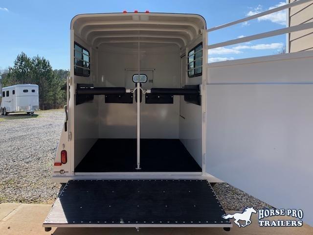 2021 Bee 2 Horse Straight Load Bumper Pull w/Windows & RAMP