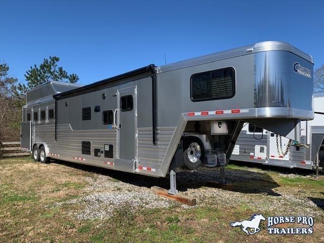 2022 Cimarron 4 Horse 15'8 Outback Living Quarters