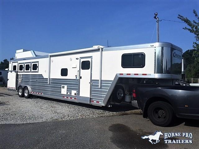 2019 Cimarron 4 Horse 13'6 Living Quarters w/Slide Out Full Rear Tack & GENERATOR!