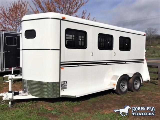2020 Bee 3 Horse Slant Load Bumper Pull- DROP WINDOWS on Head