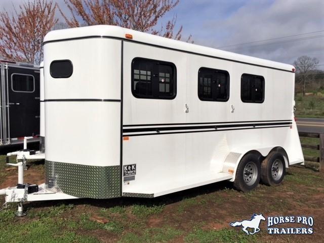2022 Bee 3 Horse Slant Load Bumper Pull- DROP WINDOWS on Head