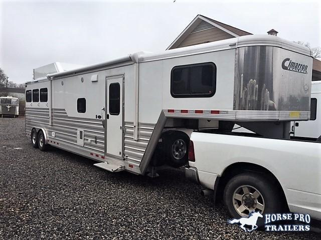 2020 Cimarron 3 Horse 14'6 Living Quarters w/Slide Out