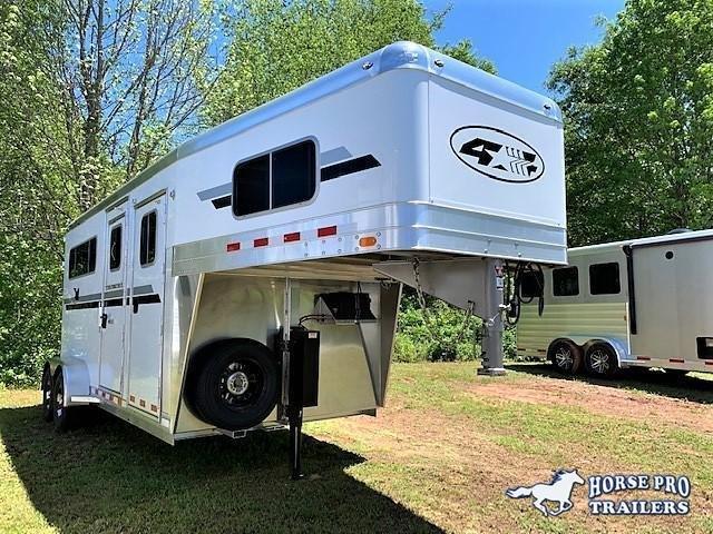 2021 4-Star 2 Horse Straight Load Gooseneck w/ROOF INSULATION & HYDRAULIC JACK