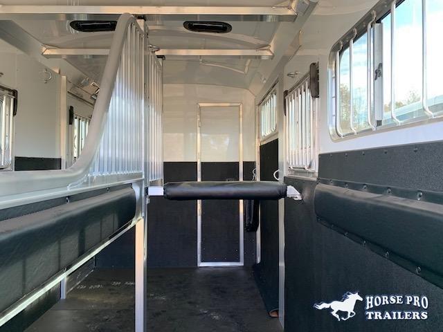 2022 4-Star 2 Horse Side Ramp Gooseneck 18' w/QUIET RIDE